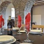 rhandir-barn-arches-table-909625
