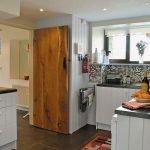 rhandir-lnghse-kitchen-367440