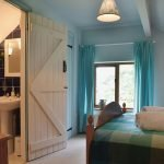 rhyblid-fach-Double-bedroom-ensuite