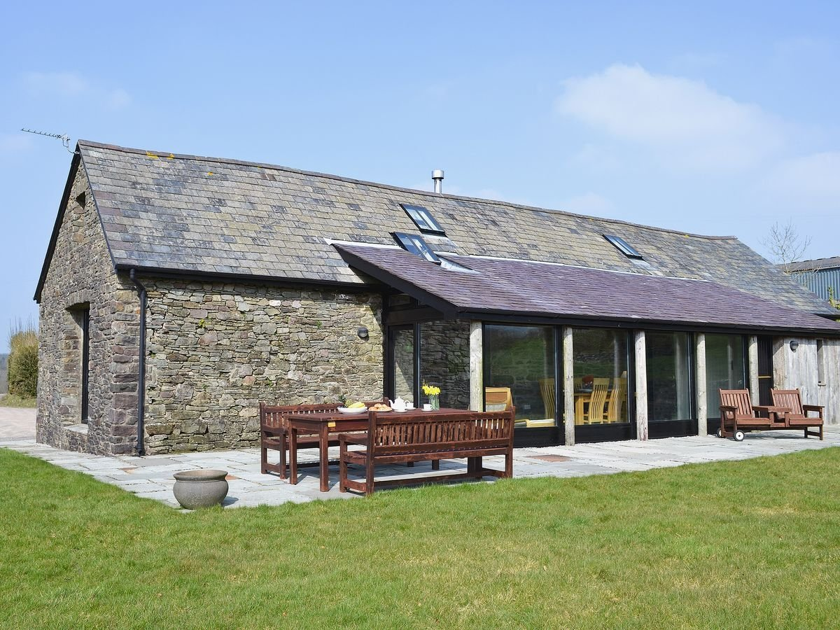 The Longhouse – sleeps 6