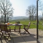 ty-nant-outside-table-900270
