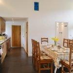 y-stabl-kitchen-table-1260875