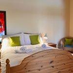 ysgubor-fawr-Double-bedroom-3