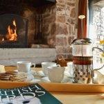 ysgubor-fawr-Living-room-fireplace